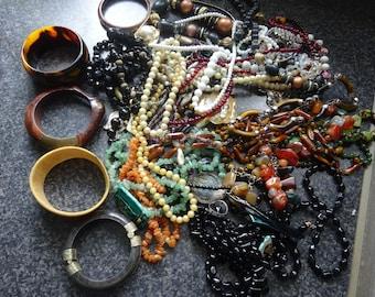 HUGE vintage juwelry DESTASH // gemstone / tiger eye / lignite / yet / black onyx / agate / 2,2 pound / 50 pieces