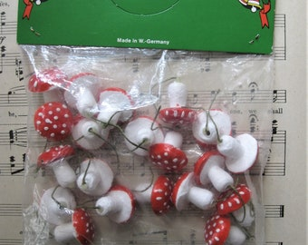 Vintage Spun cotton Mushrooms, NOS, Made in W Germany, Lot of 20