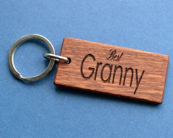 Personalised rustic wooden keyring / key chain fob - Engraved - Mahogany wood - Perfect gift