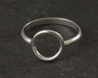 Full Circle Ring//Argentium Sterling Silver//Handcrafted- Silver Circle Ring - Sterling Silver Ring- Simple Silver Ring
