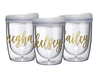 Plastic wine tumbler, bridesmaid gift, personalized cup, wedding gift for bridesmaid, acrylic wine tumbler with lid, beach tumbler, stemless
