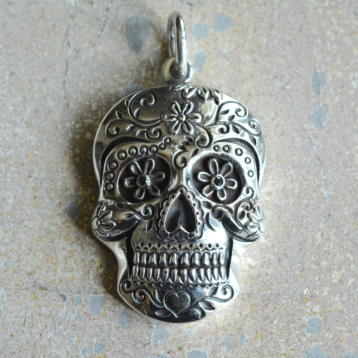 dead the day pendant product necklace sugar jewelry of flowers skull