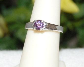 Amethyst Ring, Size 7, Lilac Purple, Sterling Silver, February Birthstone, Purple Amethyst, Natural Amethyst, Amethyst Solitaire