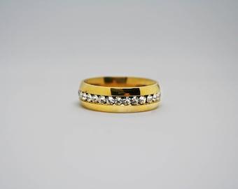 18K Gold Cubic Zirconia Diamond Wedding Band / Ring Size 7