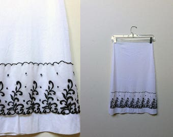 White Half Slip & Black Embroidery / UNIQUE Half slip / Vintage White Slip / Petticoat Slip Skirt / Size S