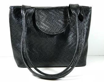 Purse Shoulder Bag Black Woven-look Vinyl Medium-Sized Vegan Flap Double Straps Pockets Zipper Magnetic Snap Ready to Ship