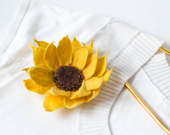 Sunflower Pin Gift for Mom Yellow Flower Pin Sunflower Jewelry Flower Brooch Mothers Day Gift Idea Yellow Brooch Yellow Pin Felted Jewelry