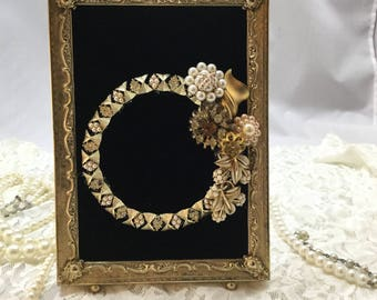 Vinyage Jewelry Collage,Costume Jewelry Art,Vintage Metal Picture Frame