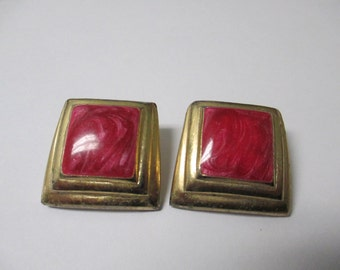 Vintage Jewelry pierced earrings, pink swirl center  square and gold toned metal, not Signed