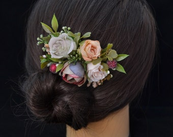 Floral hair piece for bride- Floral headpiece wedding- Hairpiece for wedding- Outdoors wedding- Bride fascinator- Rustic wedding comb