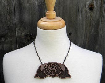 Large wood sparrows + rose pendant necklace