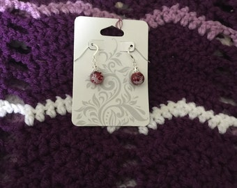 Red and white swirled bead earring