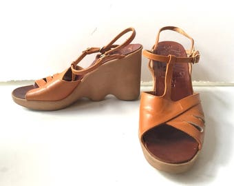 Fabulous Famolare High-Up Iconic 1970's Ripple Wave Wedges 6.5