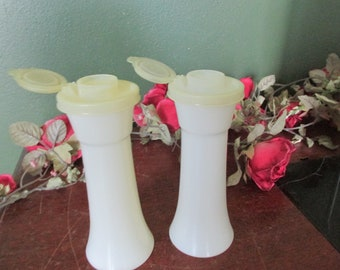 Tupperware Salt and Pepper Shakers With Flip Lids Hole Cover 6.5 Inch
