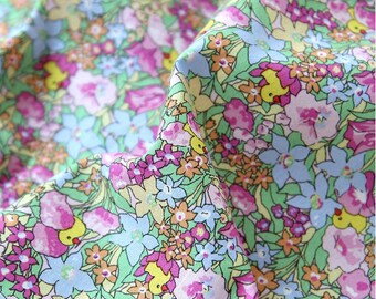 Flowers Cotton Fabric, Floral Fabric, Duck Cotton Fabric - By the Yard 82613