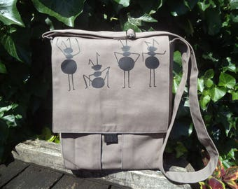 Canvas messenger bag with dancing ants