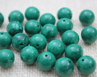 14mm Kelly Green Marbled Acrylic Bead (16 Pieces)