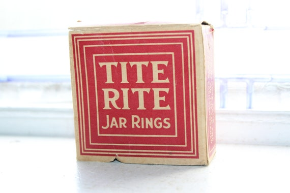 Vintage Tite Rite Jar Rubber Rings Box with 12 Rings 1940s