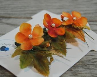 Fall Flower Hair Clips - Orange Floral Hair Clips - Orange Bridal Hair Adornments - Autumnal Bridal Hair Barrettes - Pearl Hair Clips
