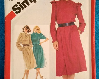 Vintage 1982 dress sewing pattern - Simplicity 5710 - size 10 12 14 - 1980s