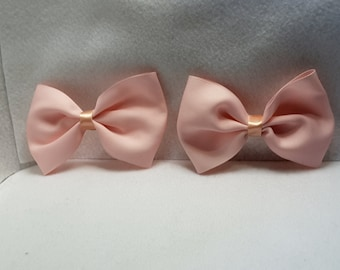 ON SALE!!! small pink bow