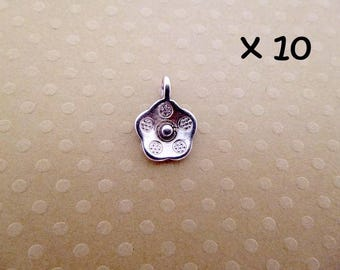 Set of 25 silver flowers charms aged 14 x 10 mm