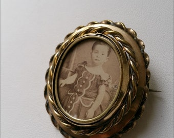 Antique Victorian Pinchbeck Swivel Mourning Brooch