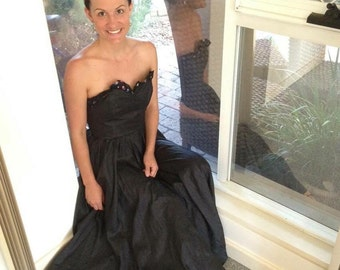 Beautiful strapless vintage party dress
