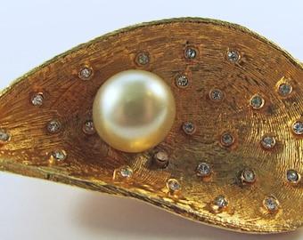 Vintage-Vogue-Jewelry-Gold-Rhinestone-Pearls-Pin-Brooch-Costume Jewelry-Seashell-Retro-Unique-Women-Gift-Birthday-Birthday Gift-Anniversary