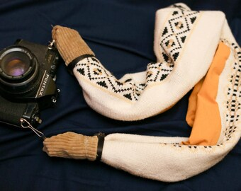 Sweater Scarf Camera Starp