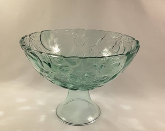 Vintage Scalloped Edge Green Bowl with  Grape and Leaf Decor