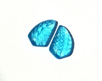 2 Pcs 1 Pair 21x13mm Swiss Blue Quartz Hand Carved On Fancy Leaf Briolette / Carved Gemstone / Engraved Beads Select Drill Hole / CQ02