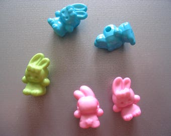5 beads 3D multicolored rabbits