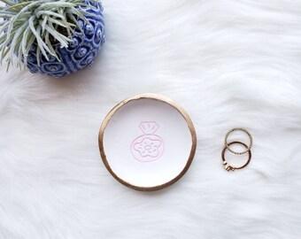 Donut Ring Dish, Donut Lover Gift, Donut Diamond Ring Dish, Gift for Women, Donut Decor, Ring Holder, Engagement Ring Dish