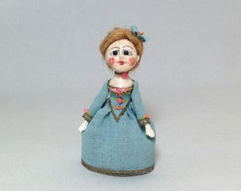 Doll Queen Anne. 1:12 scale. 40 mm high.