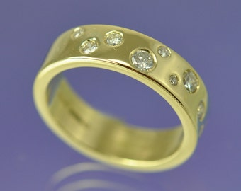 Scattered Diamond 18k Gold Ring. 0.275 ct. 5mm wide