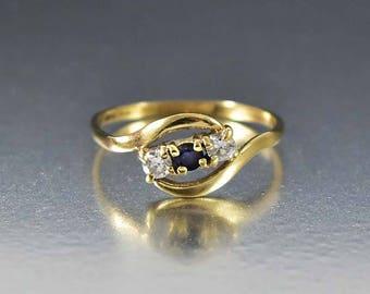 Vintage Diamond Sapphire Ring, Art Deco Gold Diamond Ring, English Band Ring, Birthstone Ring, Bohemian Stacking Ring, Sapphire Promise Ring
