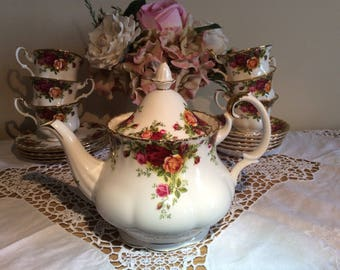 Royal Albert Old Country Roses Large 1st Quality '1962 Teapot'