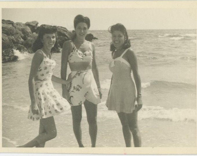 Vintage Snapshot Photo: Girlfriends at the Beach [82651]