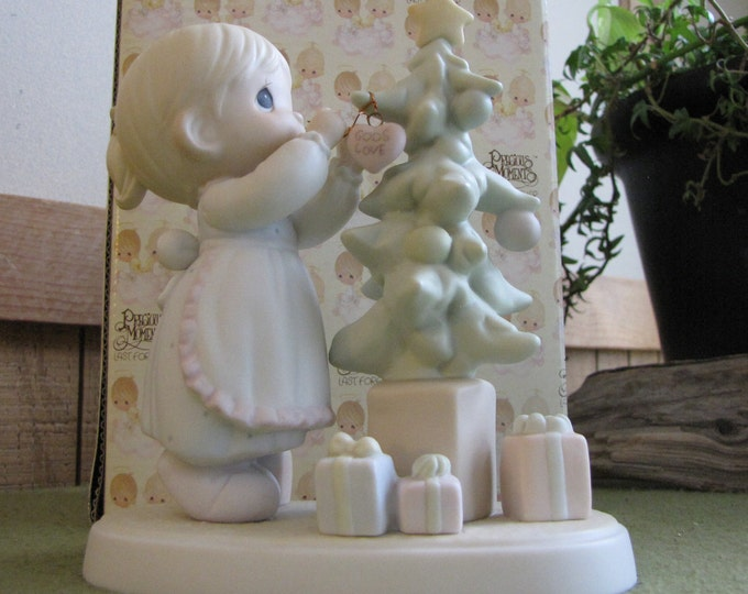 Precious Moments God Cared Enough to Send His Best Figurine Christmas Figurine Trumpet Mark 1994 Retired
