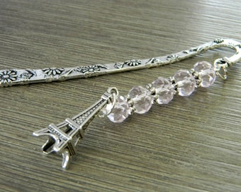 La Tour Eiffel marque-page avec des perles de verre rose pâle fleur signet Paris Berger court crochet signet couleur argent