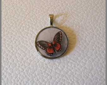 """Round pendant with necklace """"Red and black Butterfly"""" - resin Cabochon and metal silver"""