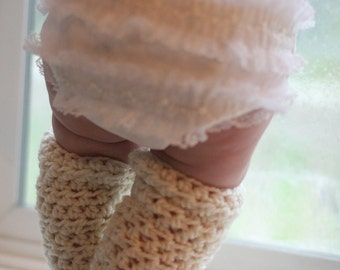 Adorably Crocheted Baby Leg warmers Crochet Pattern