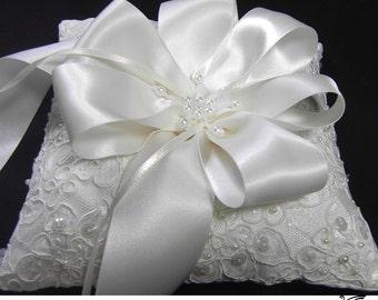 Ring Bearer Pillow, Lace Wedding Ring Pillow, Alencon Lace ring pillow, Vintage Ring Pillow, Ivory or White Wedding Pillow