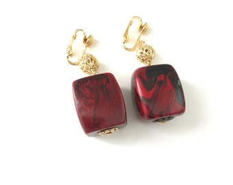 Vintage Marbled Plastic Designer Signed Clip On Earrings // Marbled Swirl Red and Black Bead Clip Earrings // Signed Celebrity