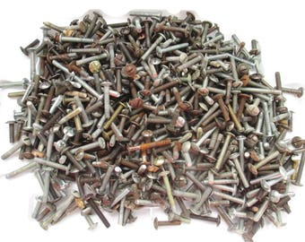 3+ pounds of vintage machine screws - huge lot of hundreds of assorted old rusty salvaged screws with great patina - all metal, some rust