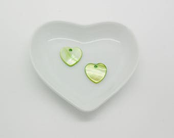 2 charms heart mother of Pearl natural color green 15 x 5 mm