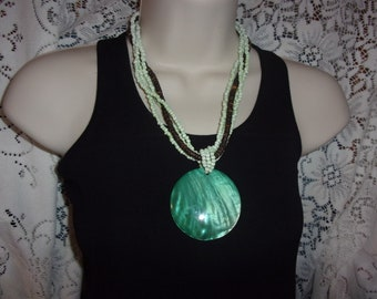 Vintage green shell pendant bead necklace