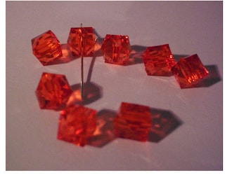 set of 10 Red cubic acrylic beads 10 mm
