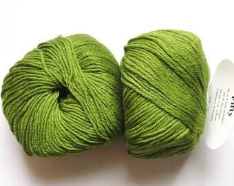 5 balls 50 fifty green 227 lot 2 Merino Wool